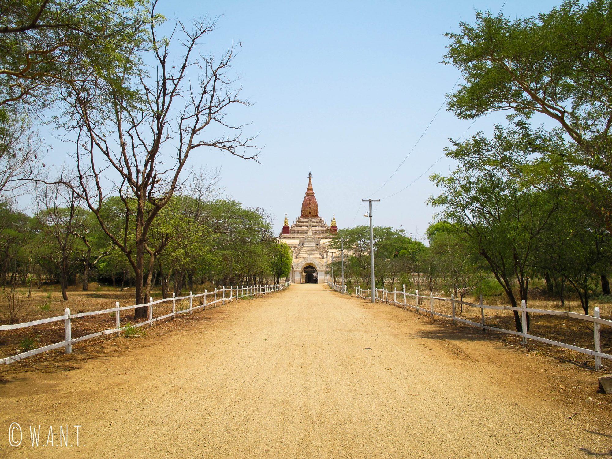 Arrivée au temple d'Ananda