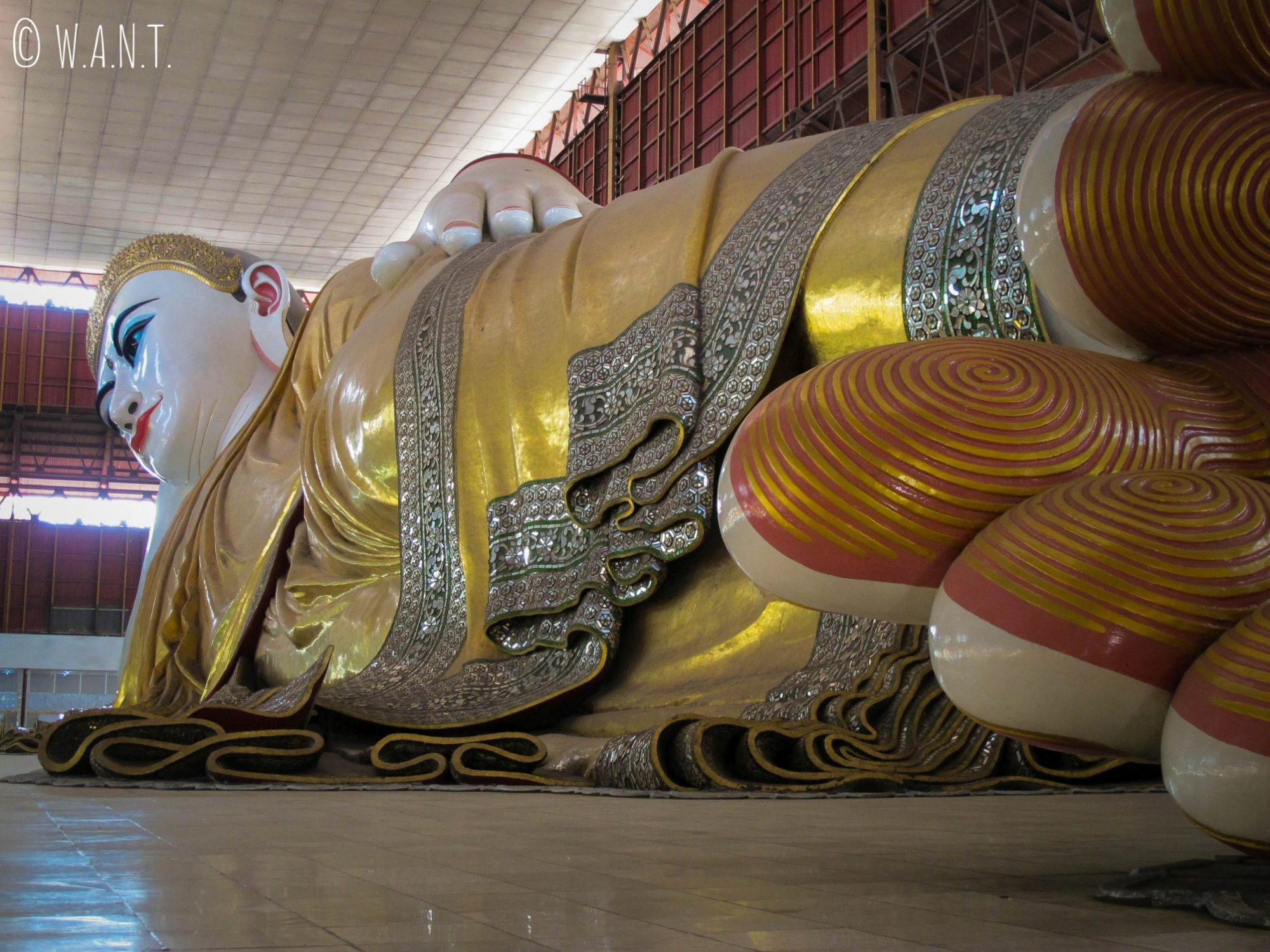 Bouddha couché au temple Chaukhtatgyi