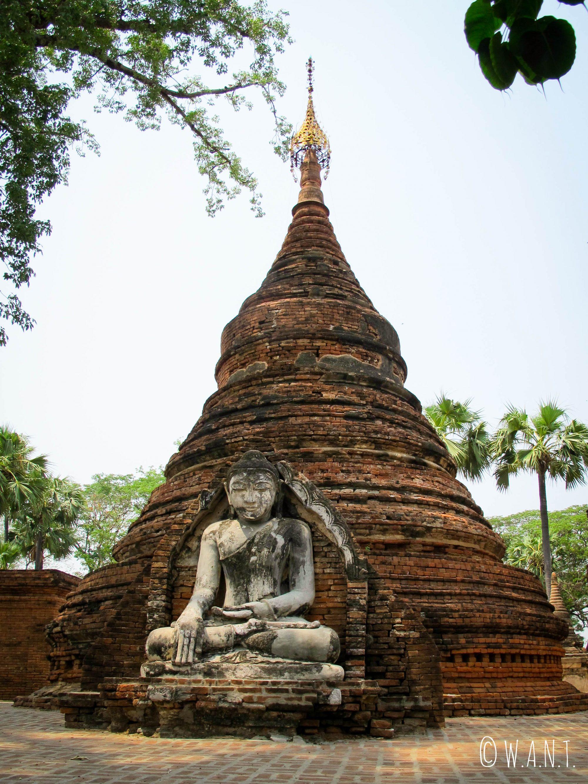 Bouddha en pierres à la pagode Daw Gyan