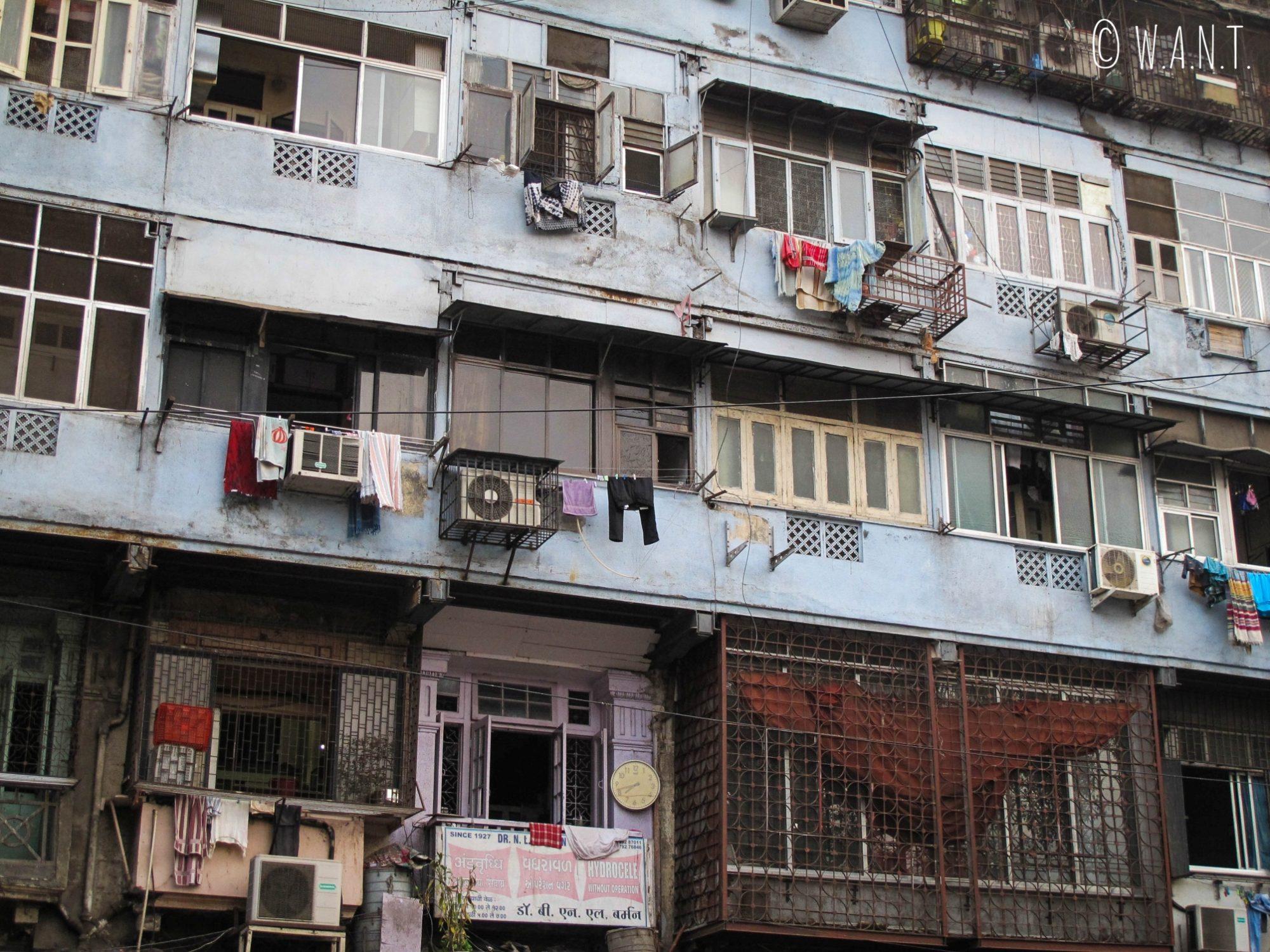 Habitations dans les rues de Mumbai