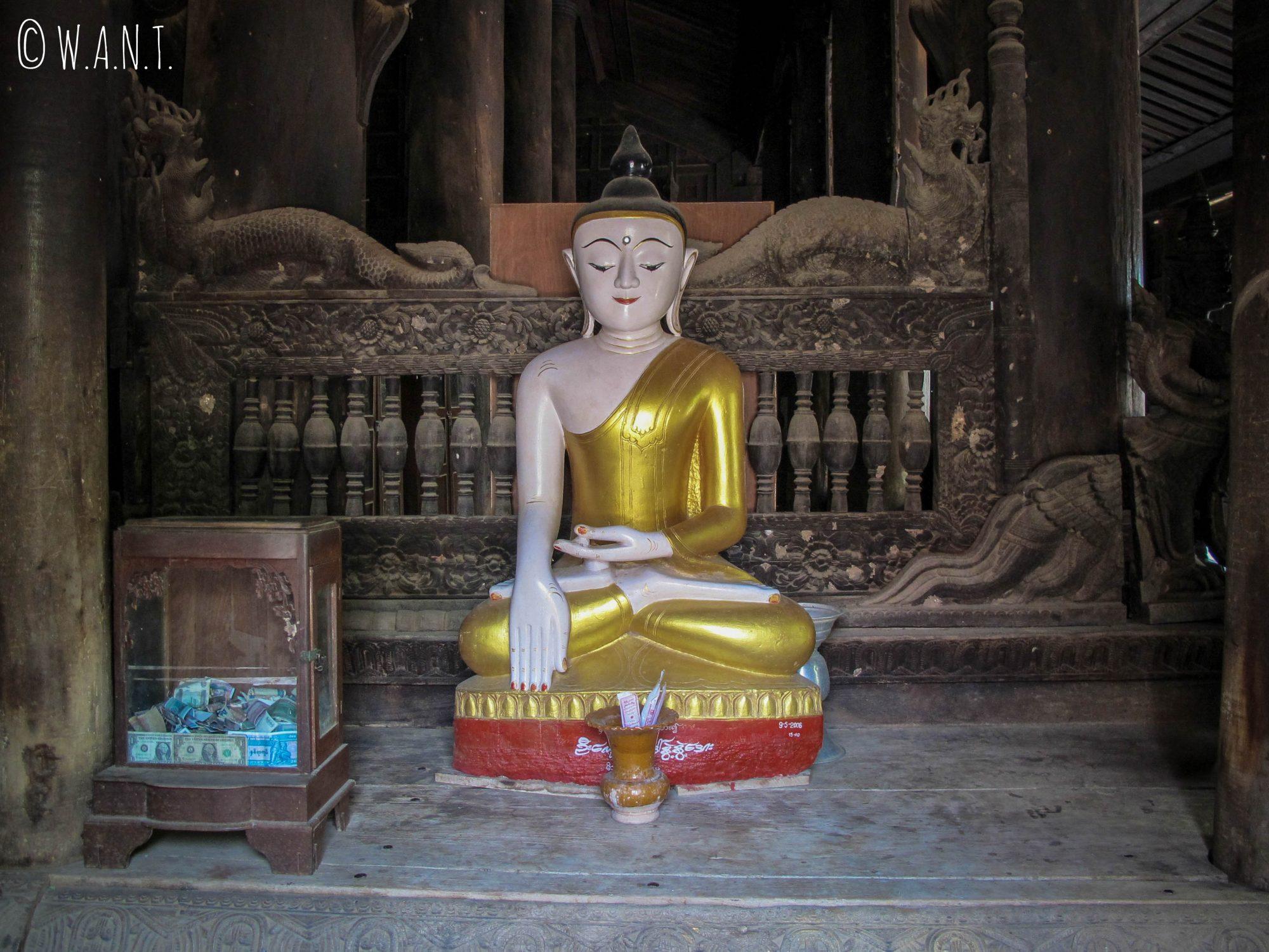 Bouddha et boiseries en teck