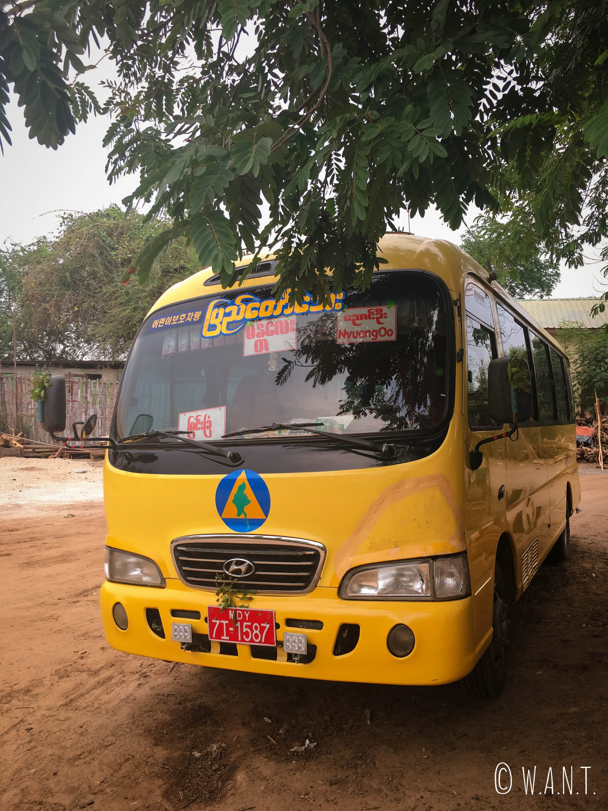 Le bus nous transportant de Mandalay à Bagan