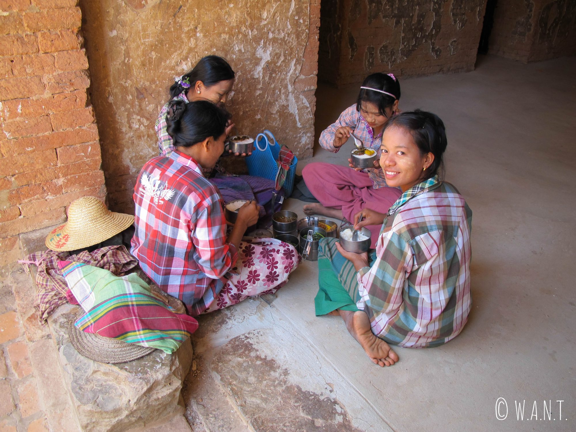 Le temple est un lieu du quotidien où l'on y prend aussi ses repas