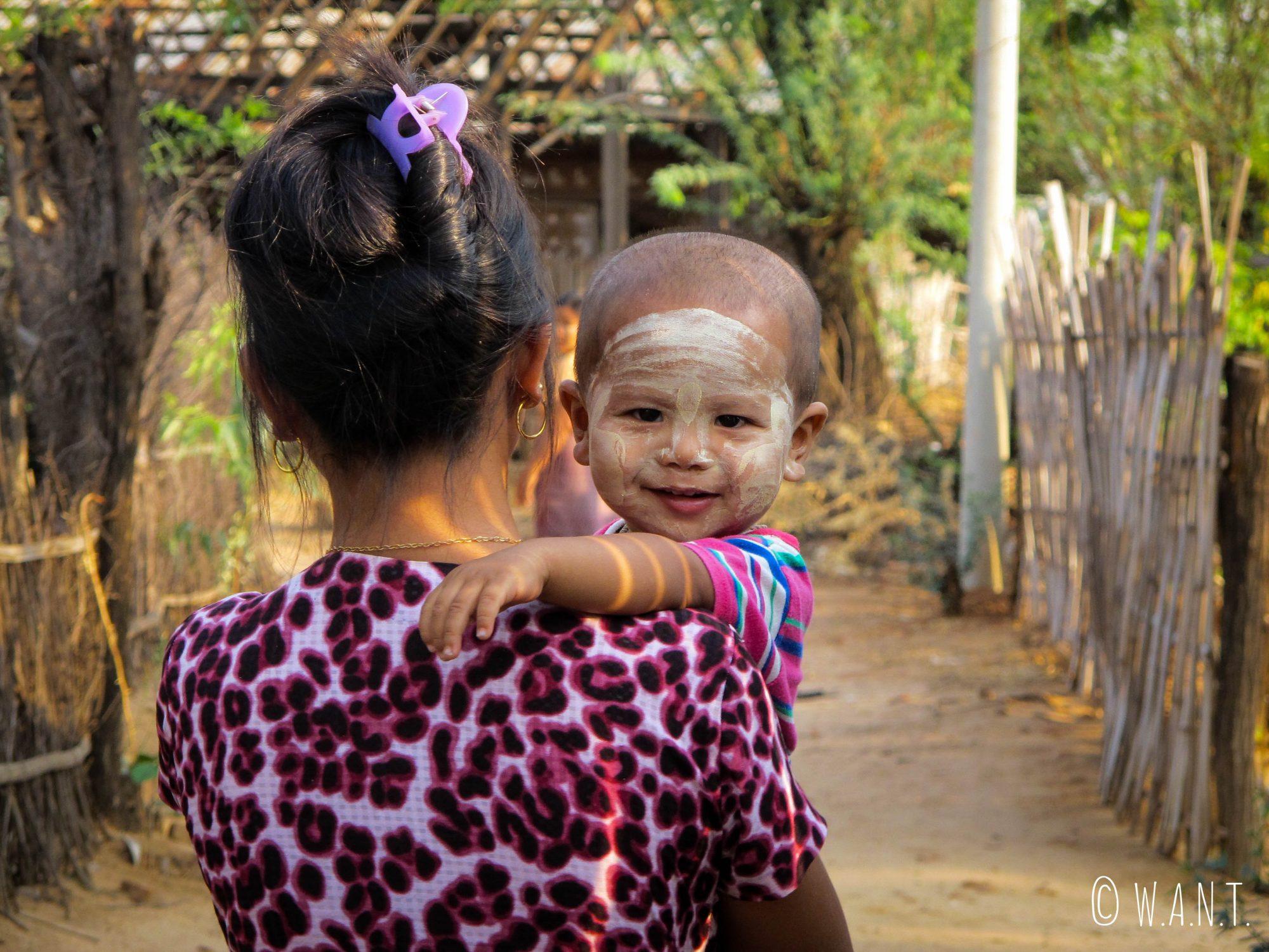 Piu-Piu, fille de la chef du village Minnathu
