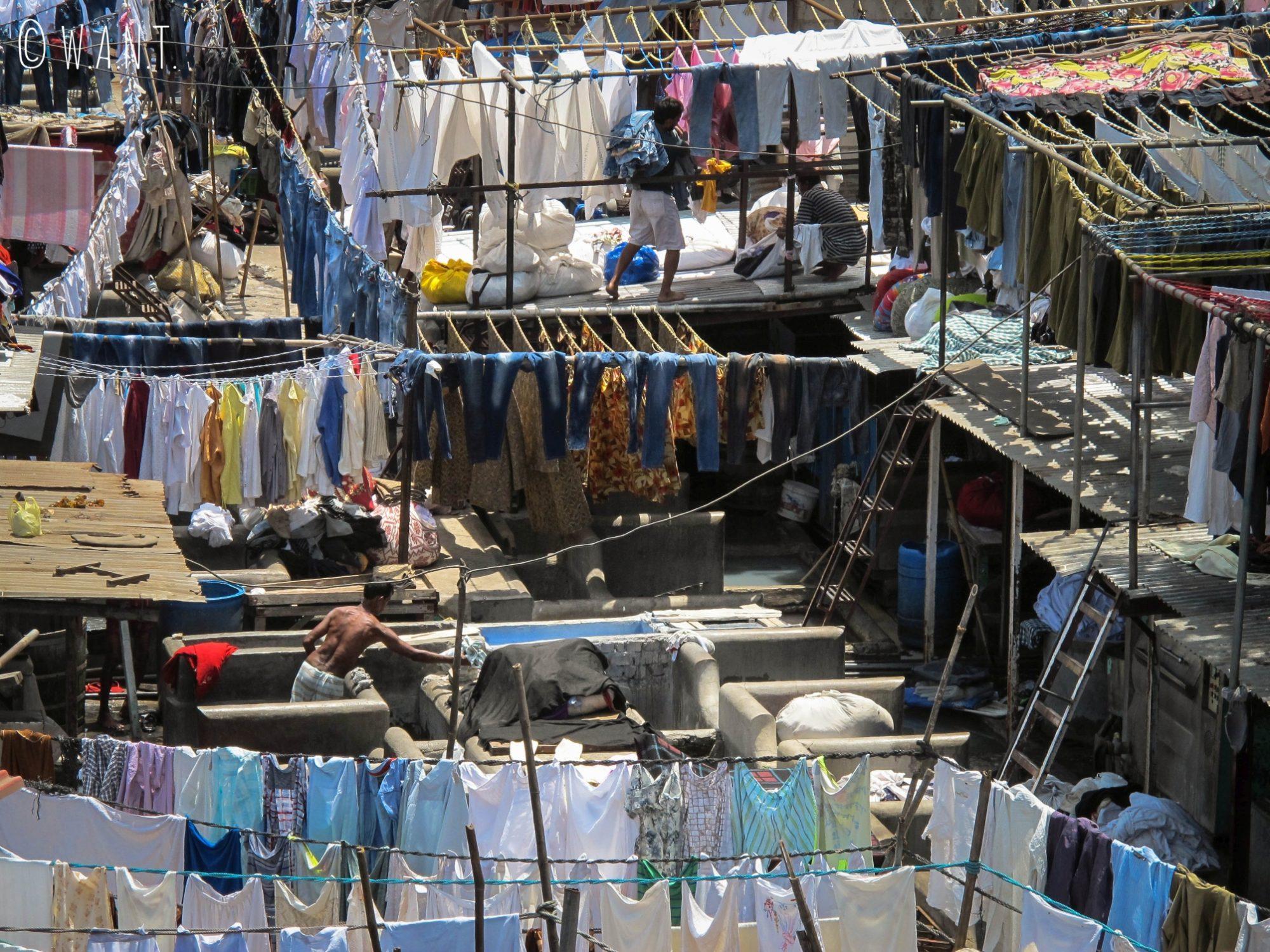 Point de vue sur Dhobi Ghat depuis le pont de la station de métro Mahalaxmi