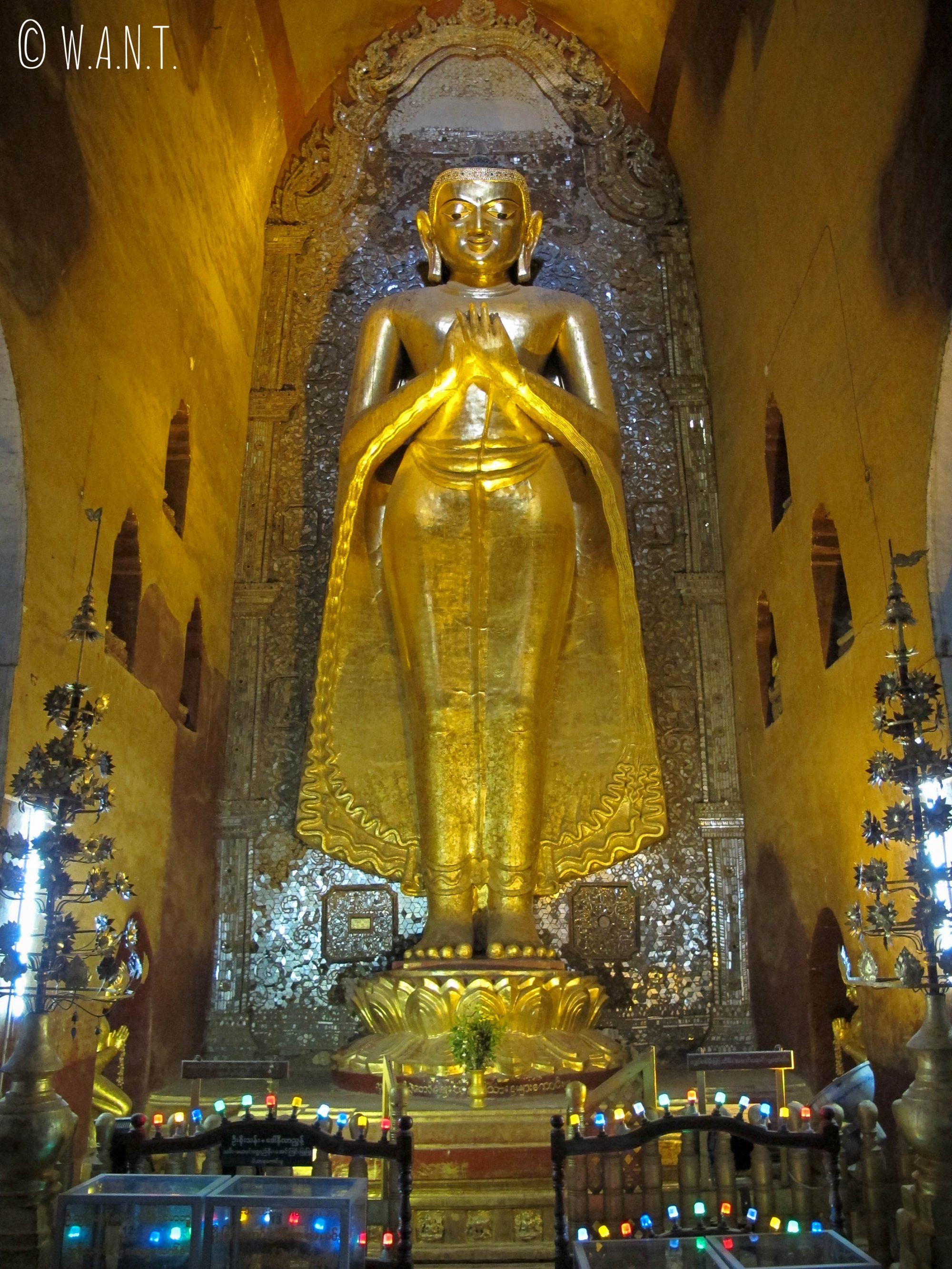 Représentation de Bouddha à l'intérieur du temple d'Ananda
