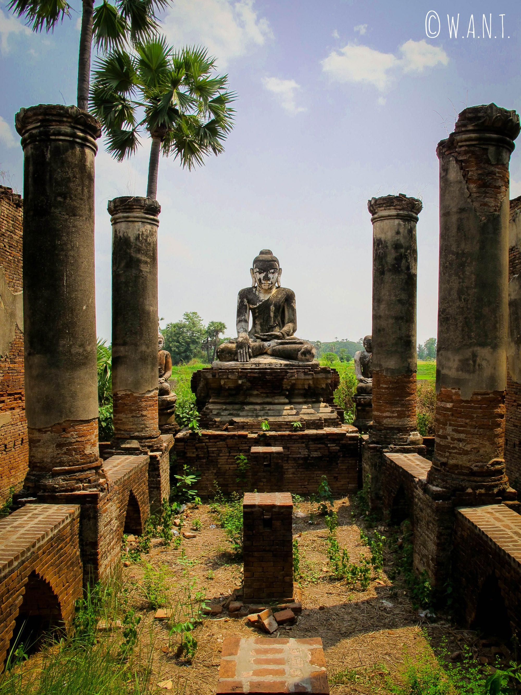 Statue de bouddha à la pagode Daw Gyan