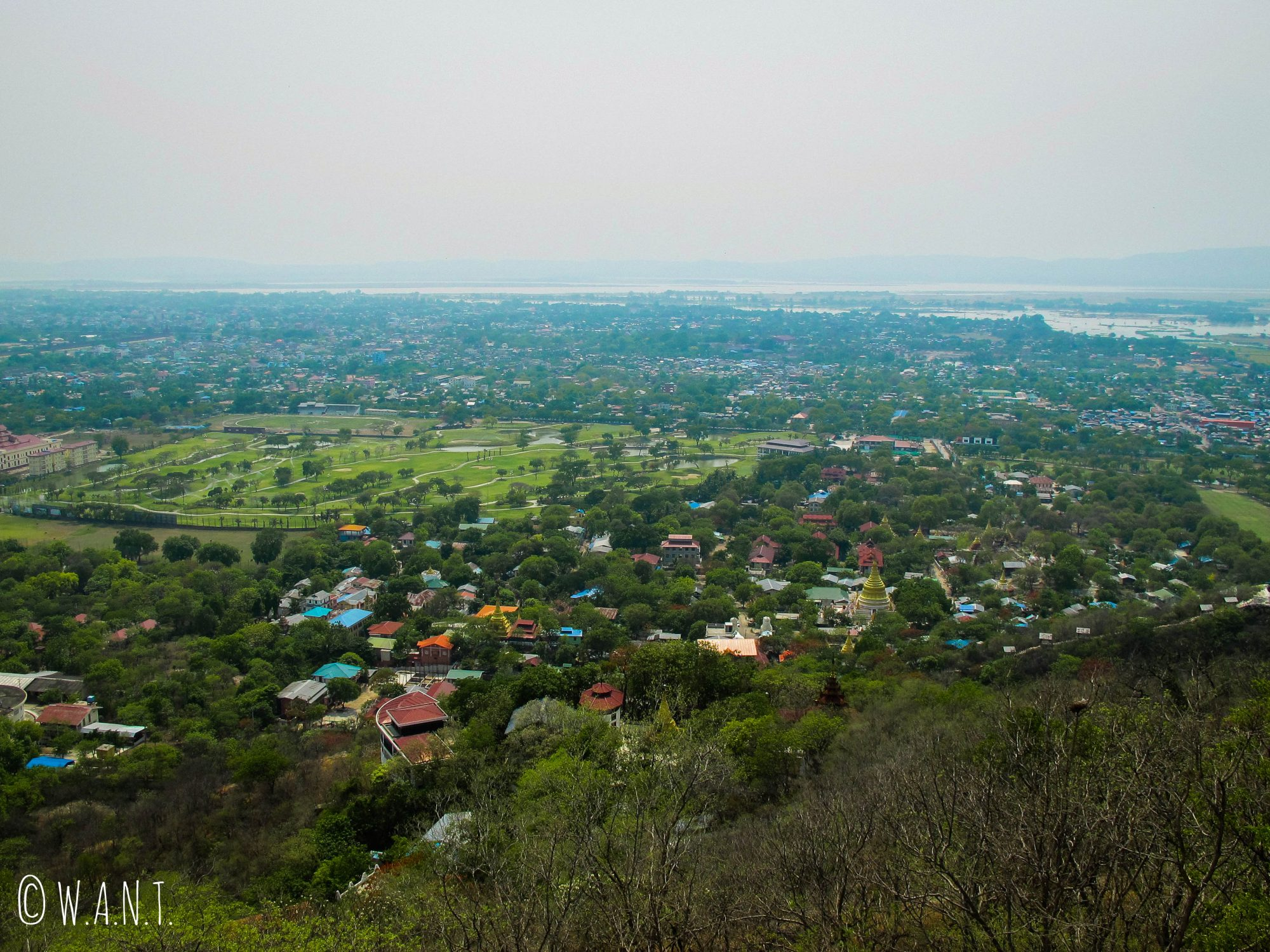 Vue depuis la pagode au sommet de Mandalay Hill