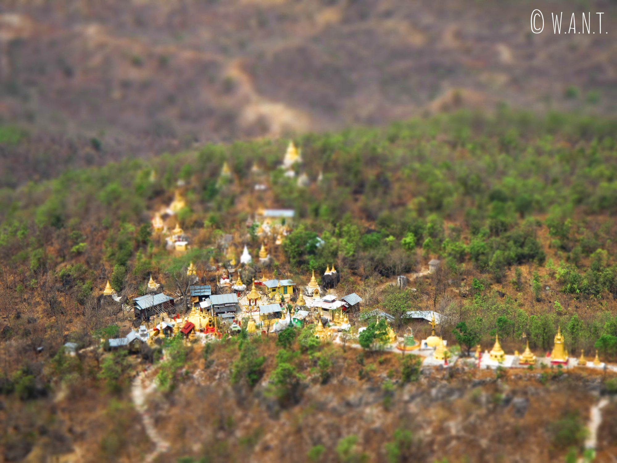 Vue sur la vallée depuis le mont Popa