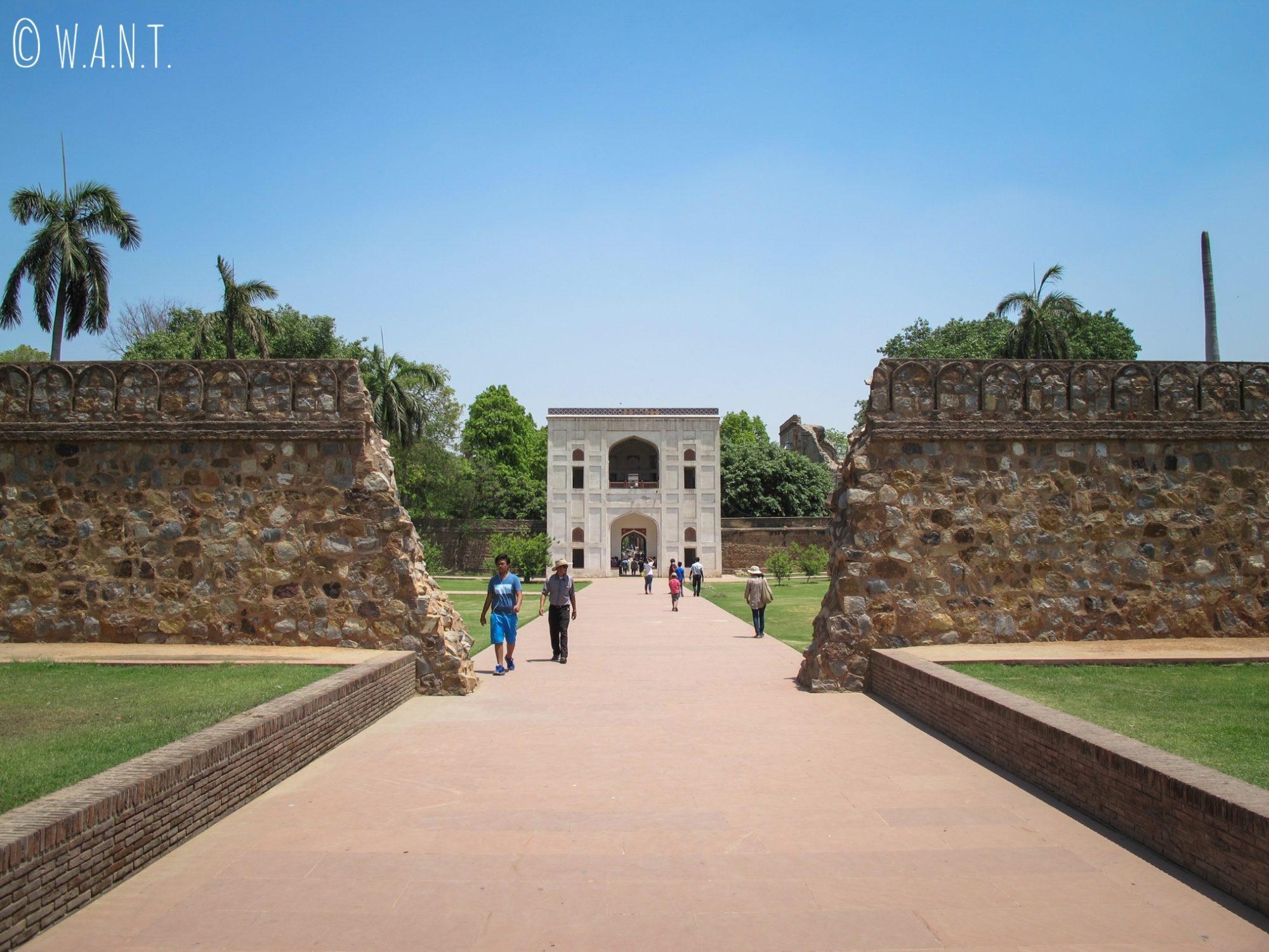Accès à la tombe de Humayun