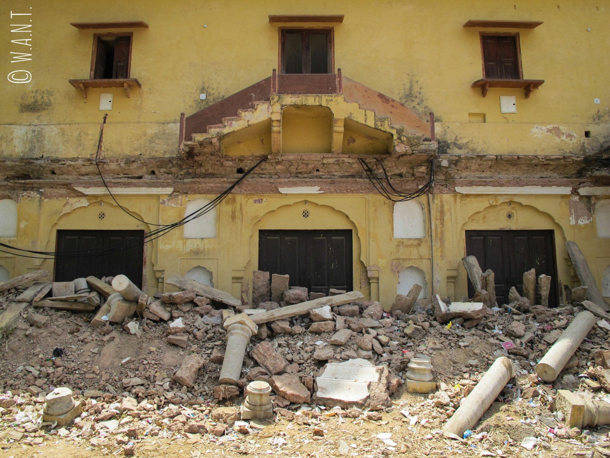 Façade détériorée d'une bâtisse aux alentours du City Palace