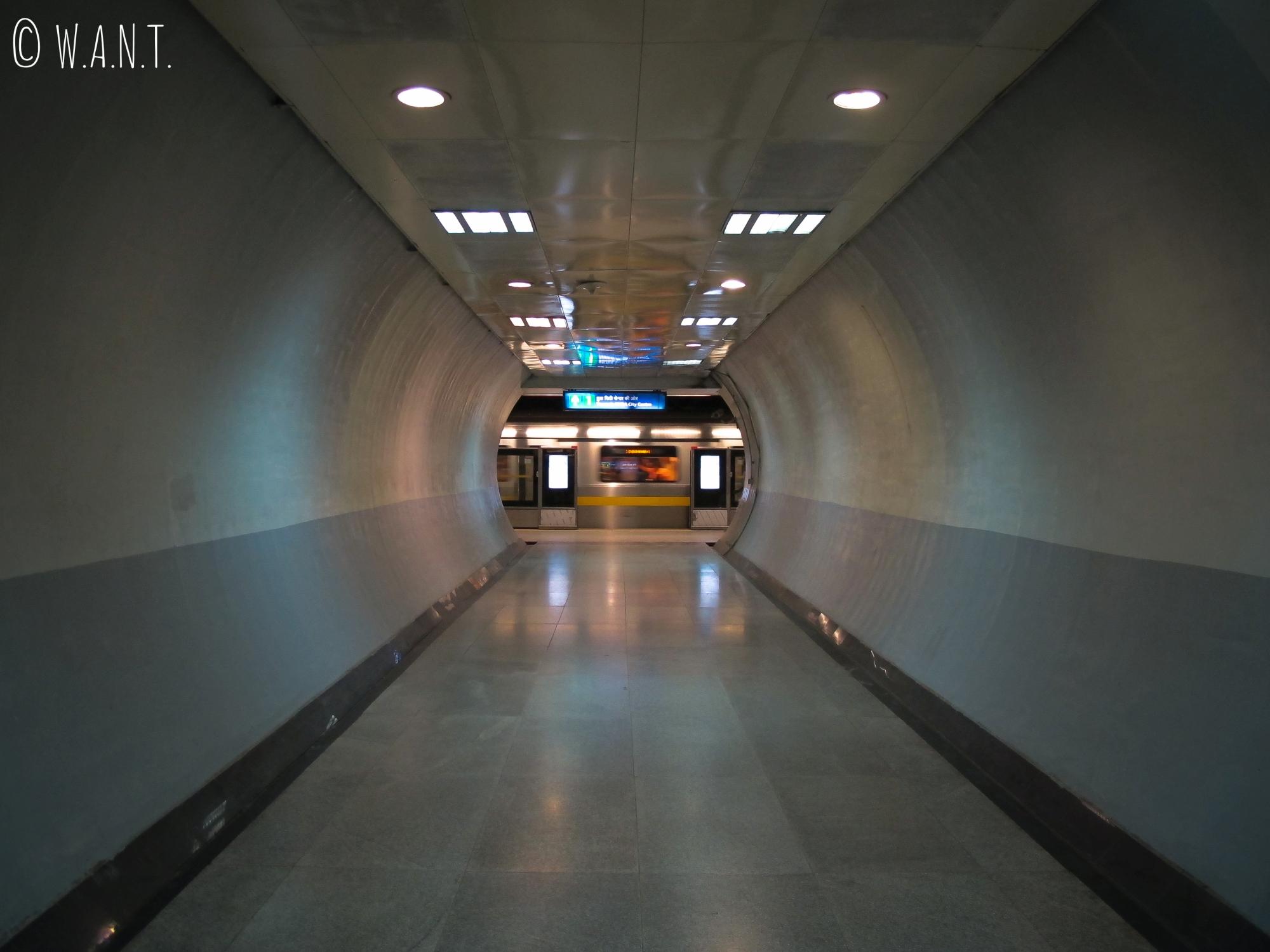Le métro de Delhi est un moyen rapide pour se déplacer dans la ville