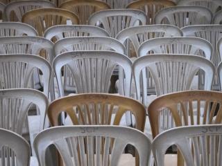 Les fidèles se rejoignent dans la cathédrale Sainte Catherine