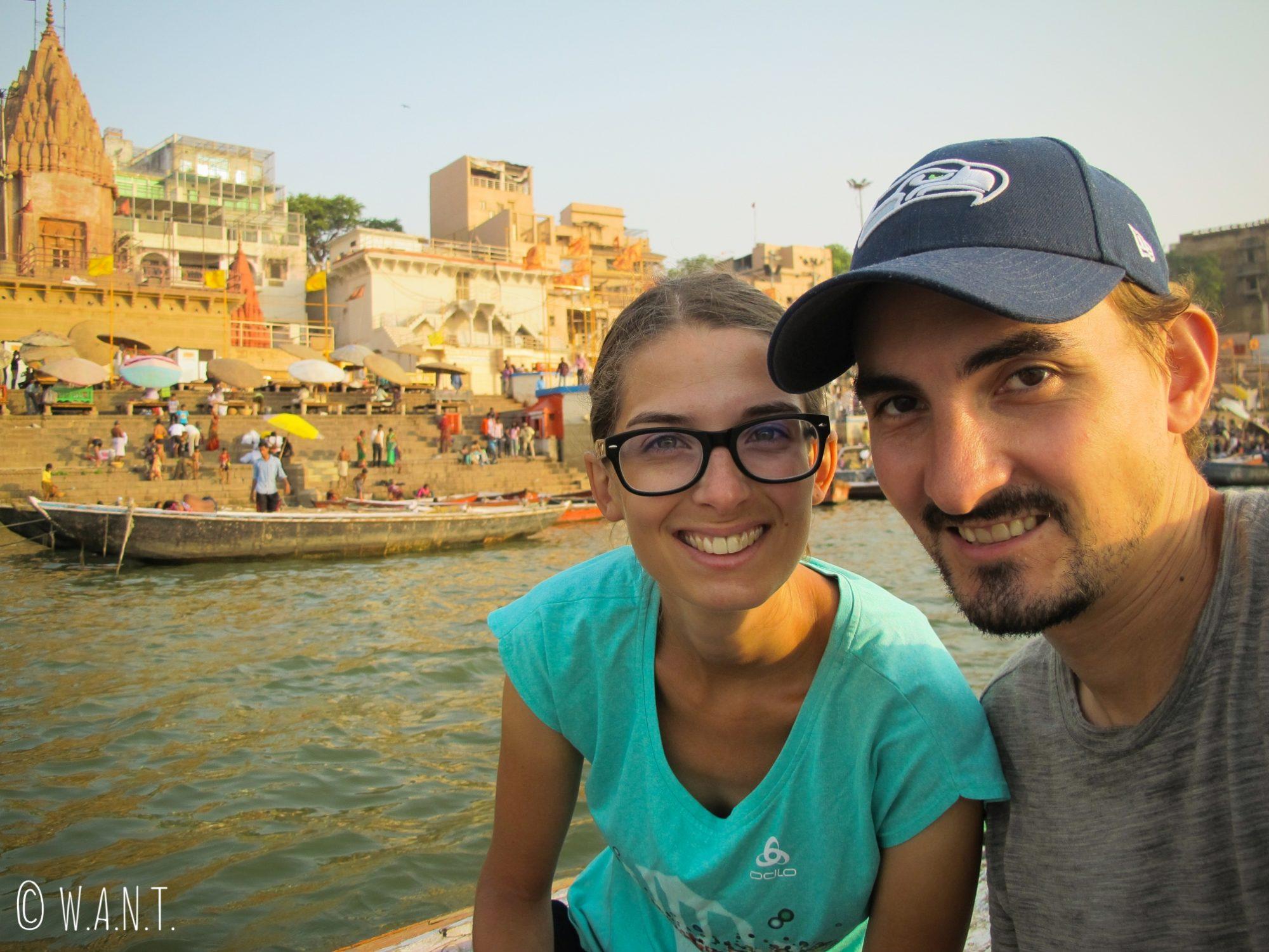 Selfie à bord de notre barque sur le Gange