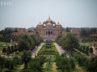 Temple Akshardham pris en photo depuis l'extérieur du site