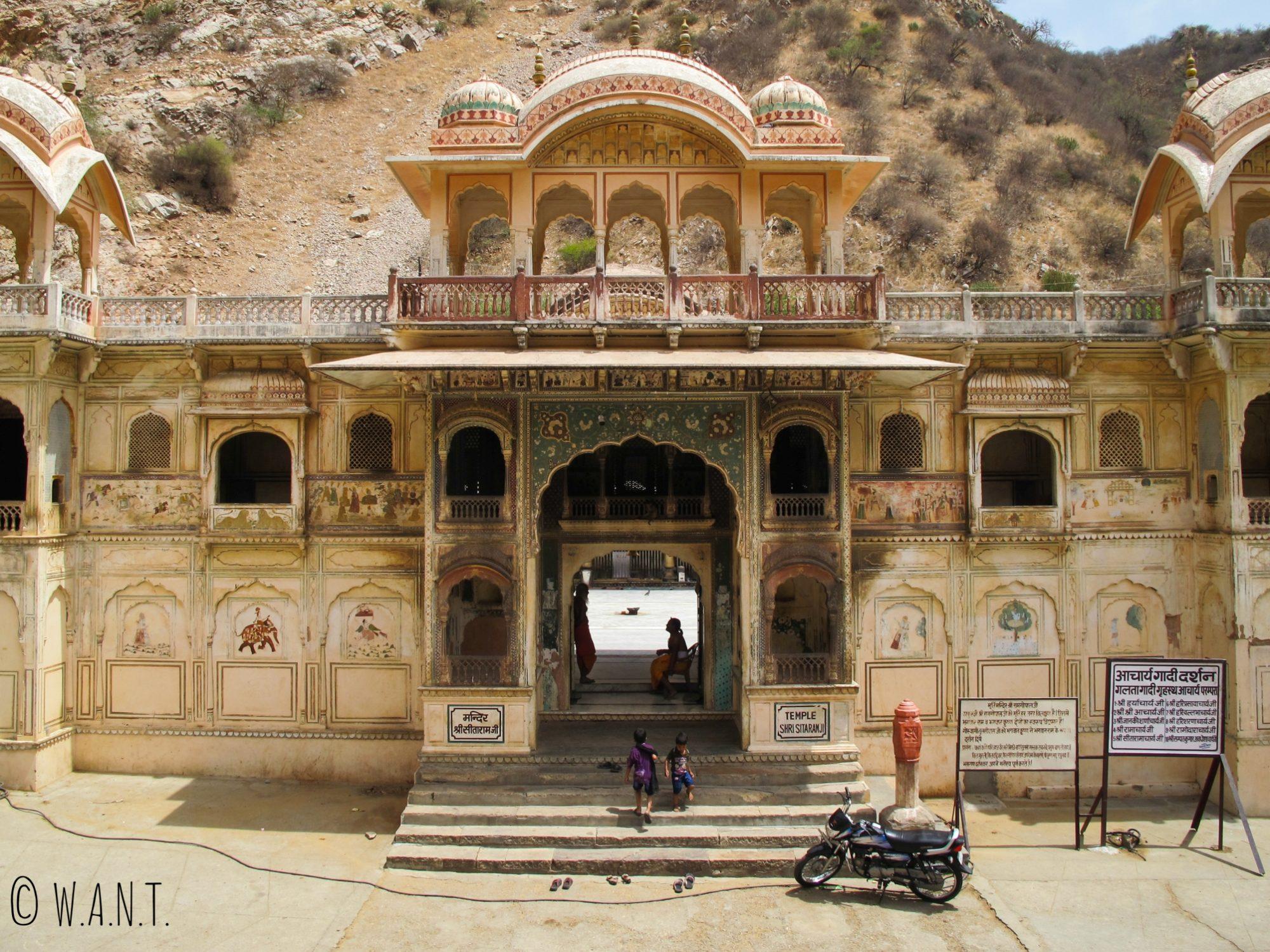 Un des temples du Monkey temple également appelé temple Galta Ji à Jaipur