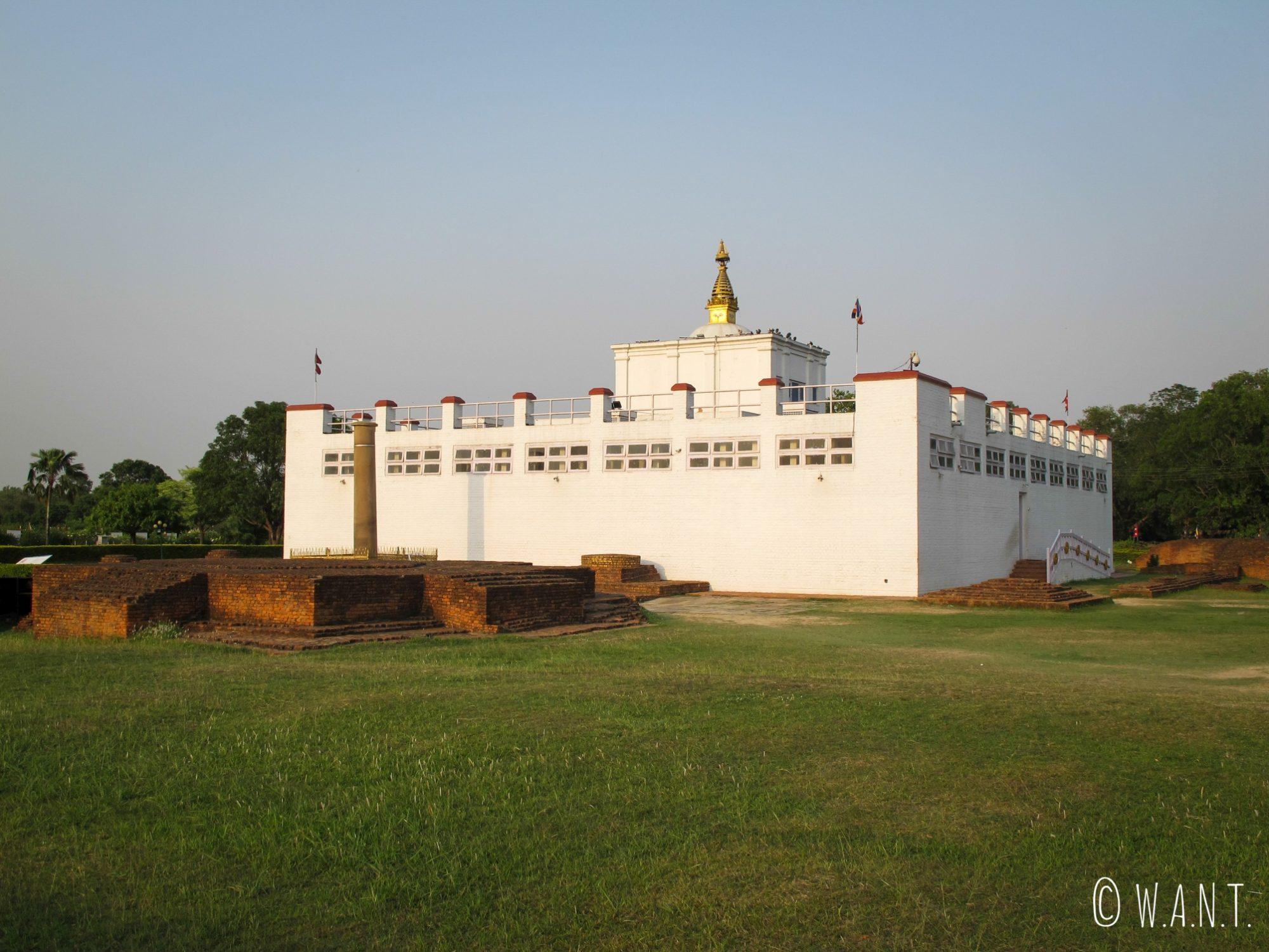 Le temple Maya Devi abrite l'emplacement exact de la naissance de Bouddha