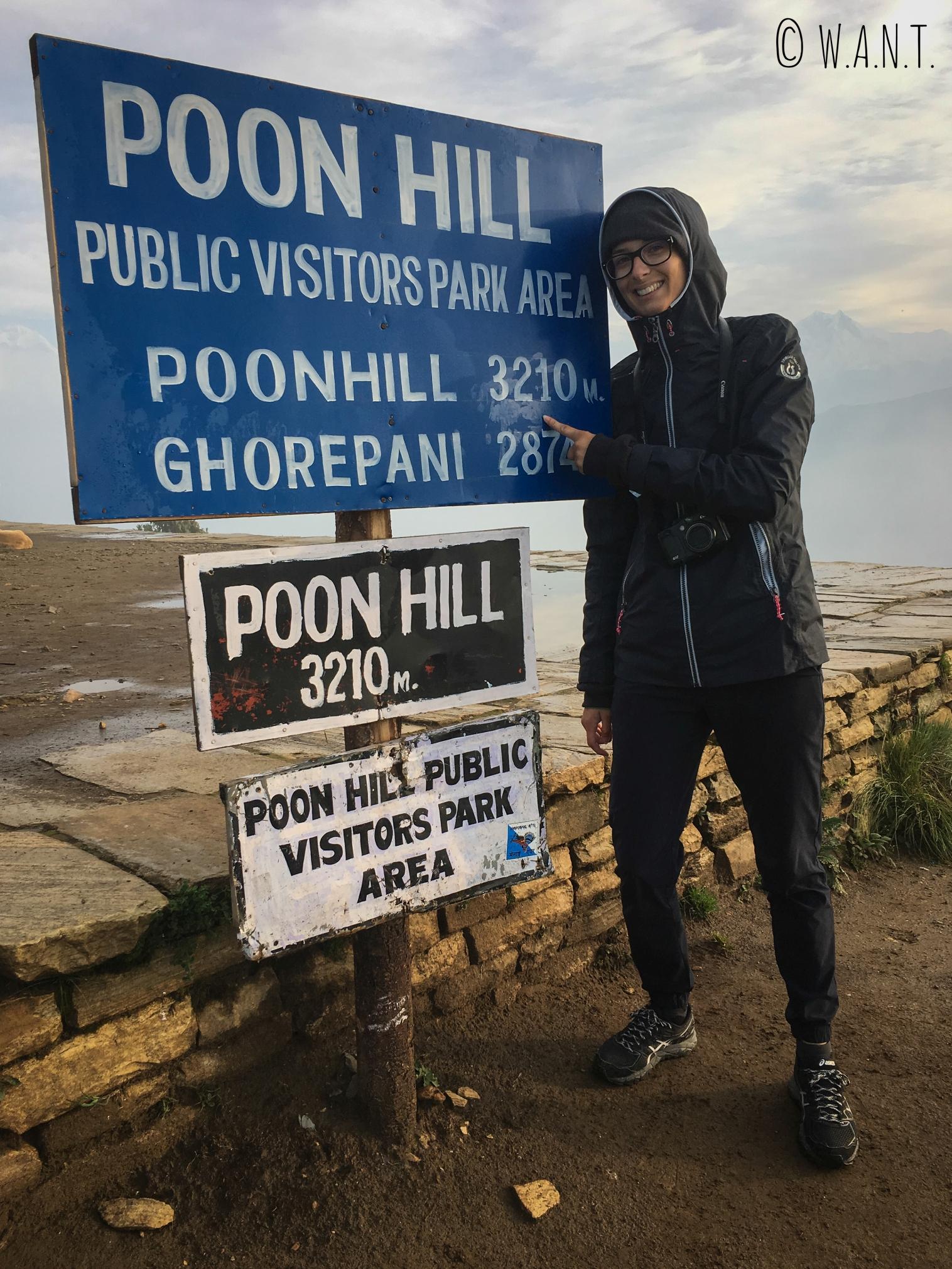 Marion peut être fière d'avoir gravi Poon Hill, culminant à 3,210m