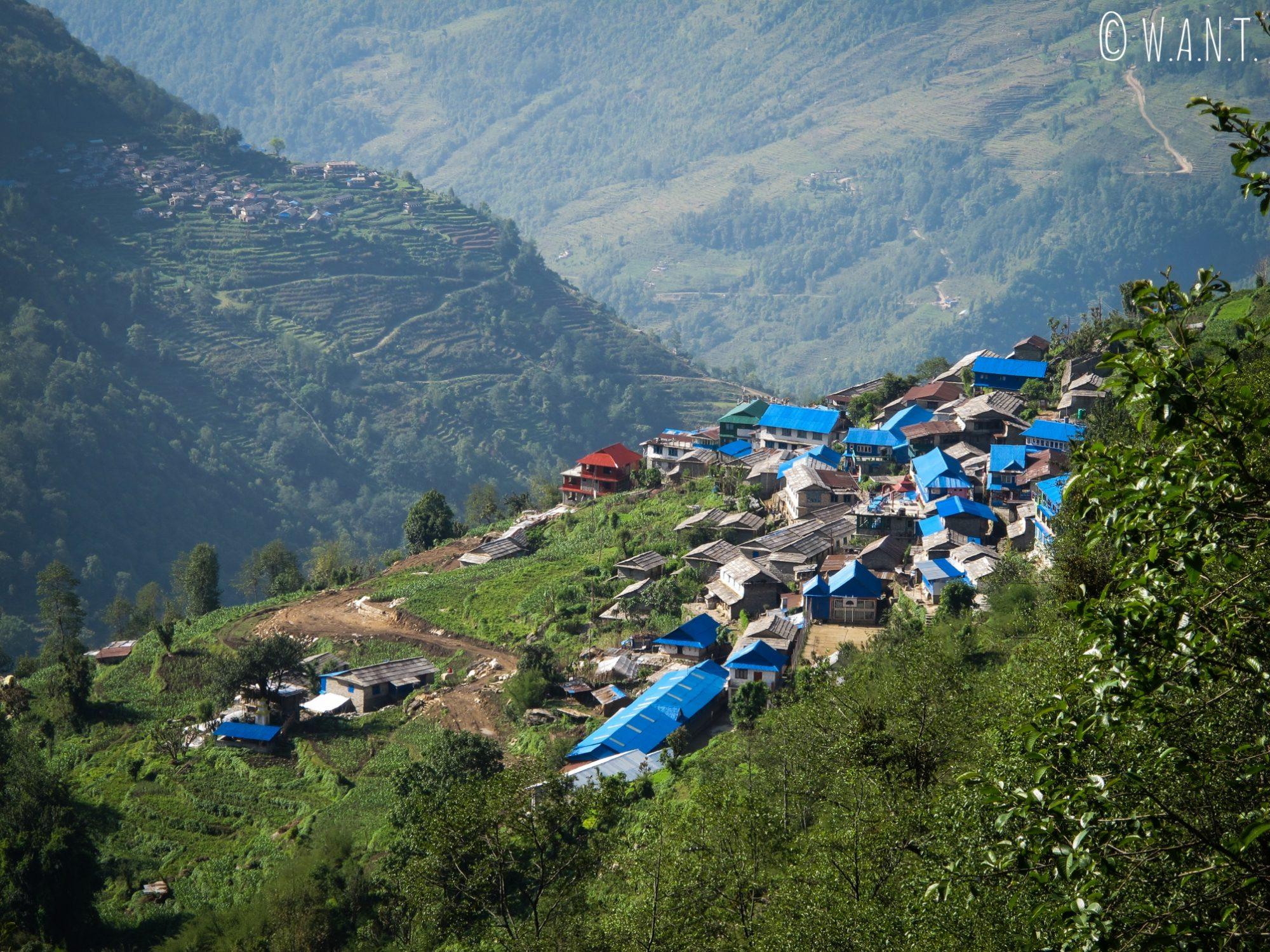 Notre première étape, Ulleri, est un village en flanc de montagne des plus typiques dans les Annapurnas