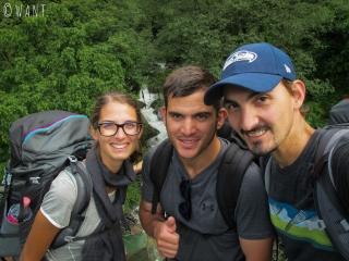Nous ferons une étape en compagie d'Alvaro, militaire espagnol venu seul se mesurer aux Annapurnas
