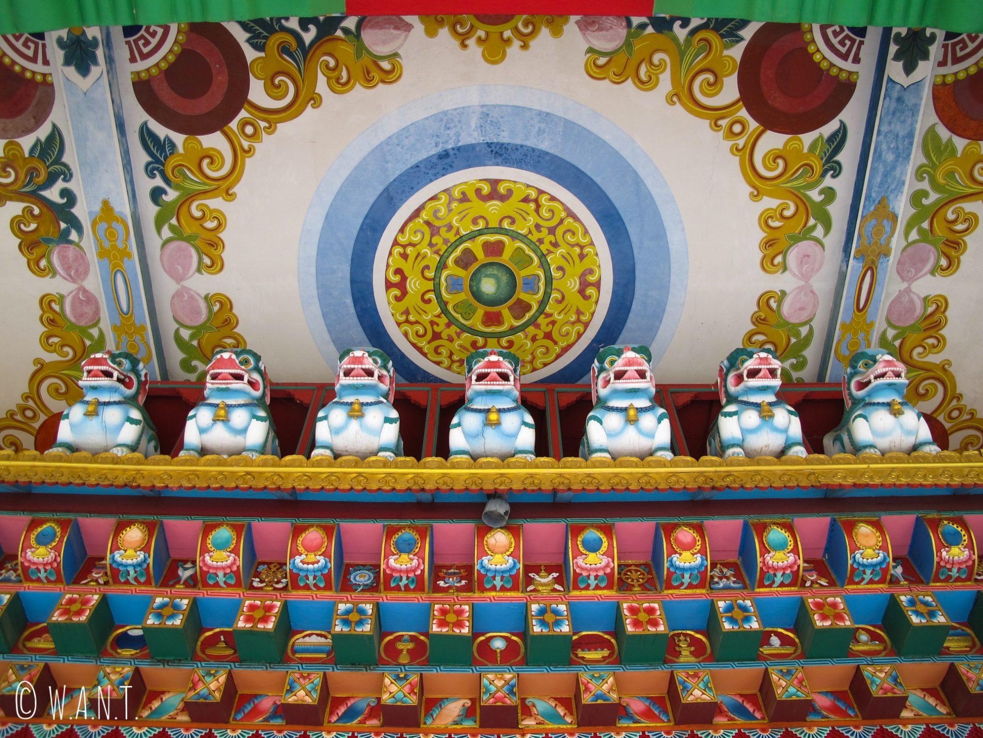 Ornements du Lotus stupa de l'Allemagne à Lumbini