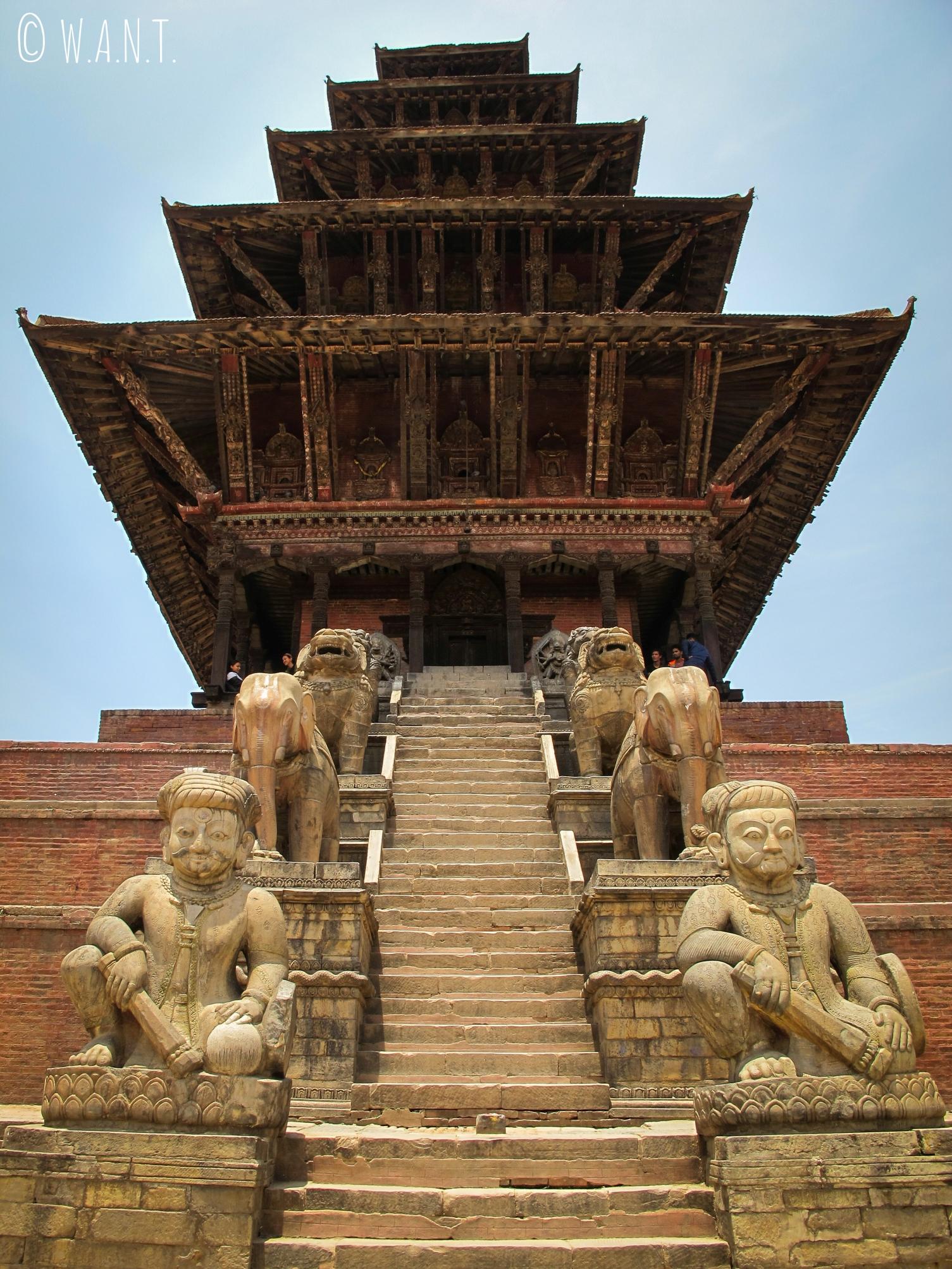 Temple à toits multiples sur la place Taumadhi de Bhaktapur