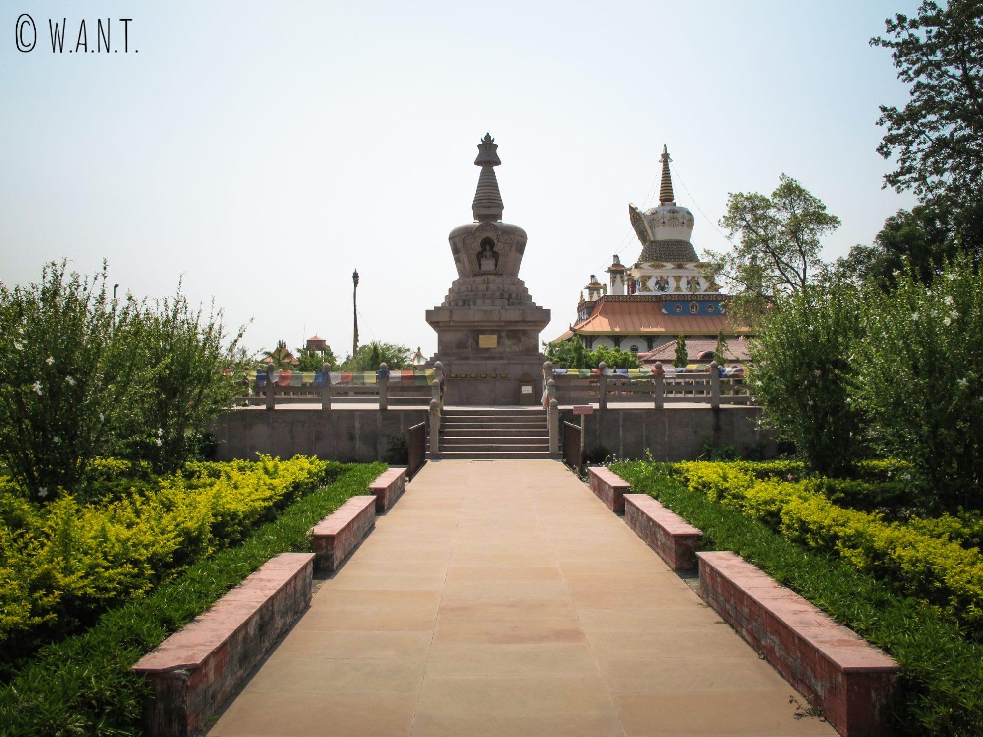 Temple français très épuré de Lumbini