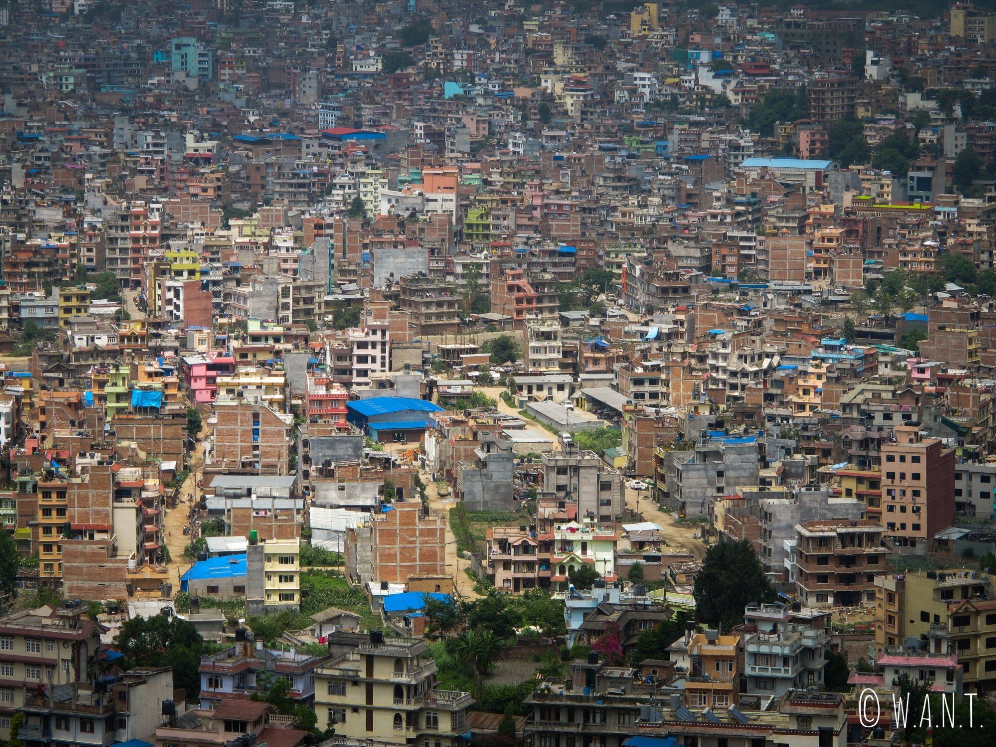 Vue sur la ville de Katmandou depuis le stupa Swayambhunath