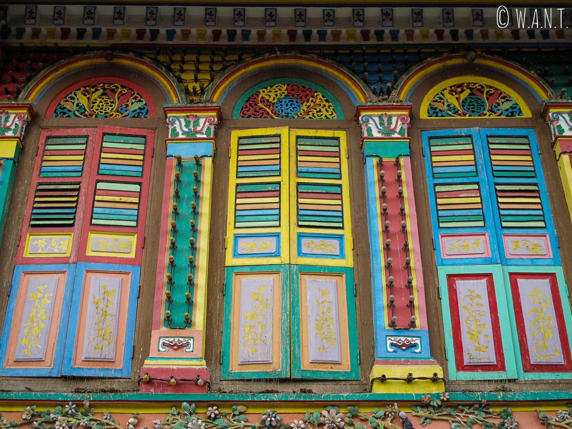 Façade colorée de la résidence Tan Teng Niah dans le quartier Little India de Singapour