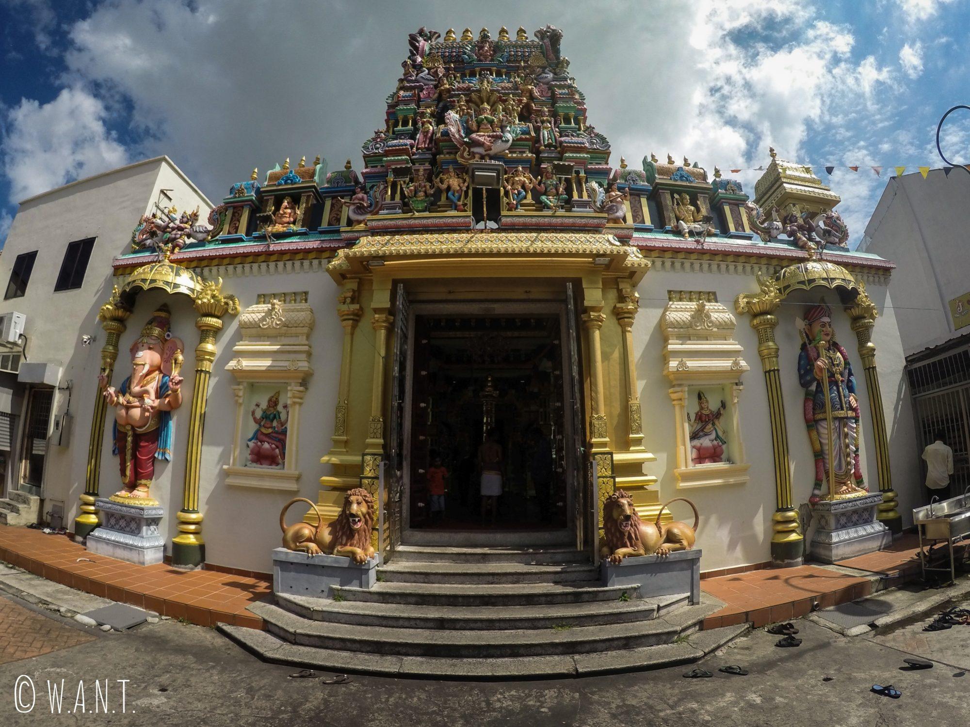 Façade du temple indien Sri Mahamariammam à Penang