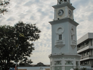 Fontaine Queen Victoria Clock Tower à l'entrée du quartier colonial de Georgetown à Penang