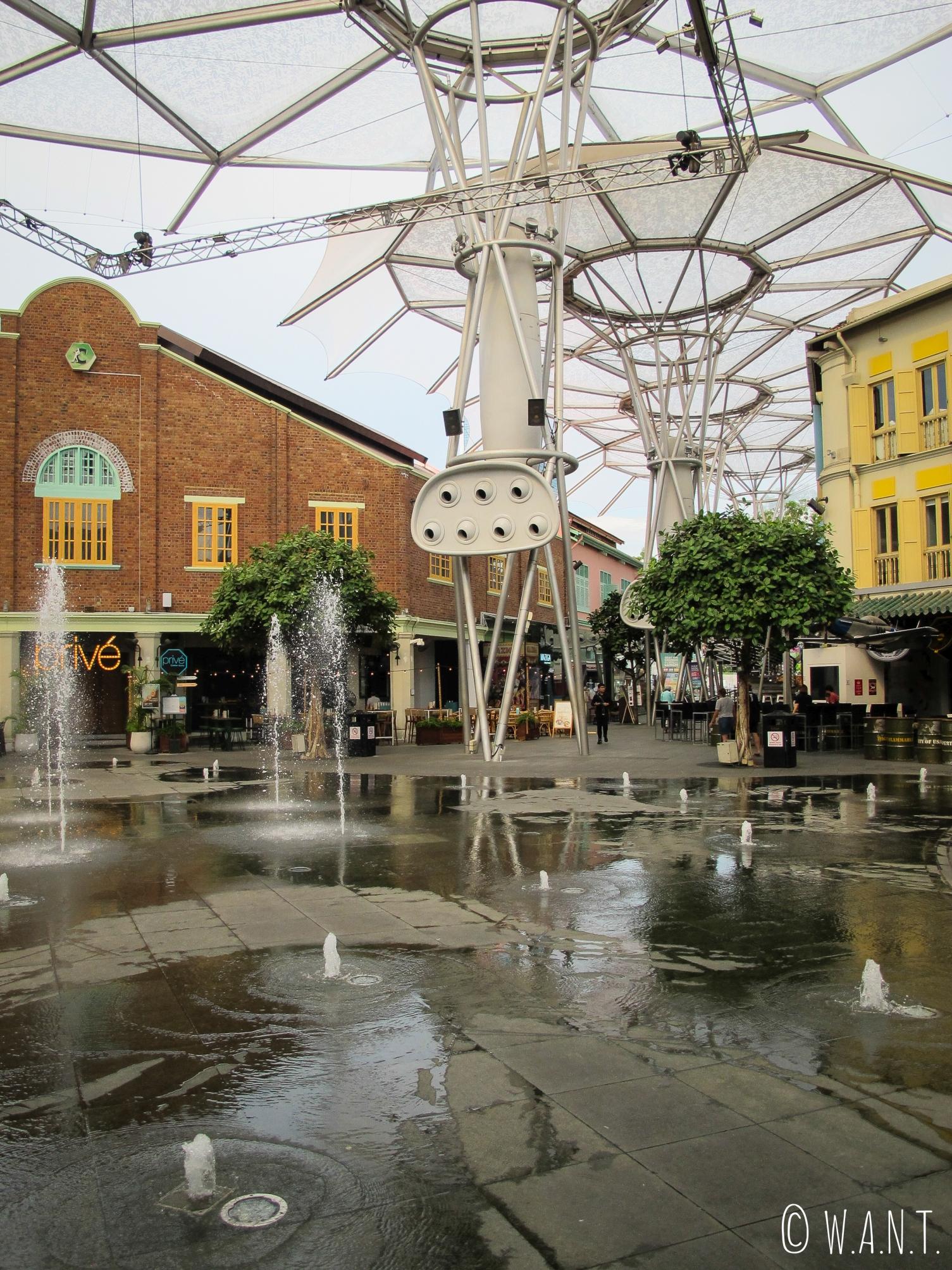 Fontaine située au centre du quartier de Clarke Quay à Singapour