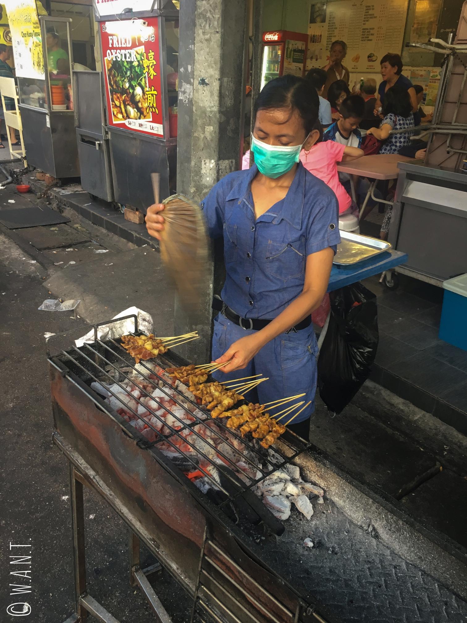 Stand de satay dans la rue Kimberley street de Georgetown à Penang