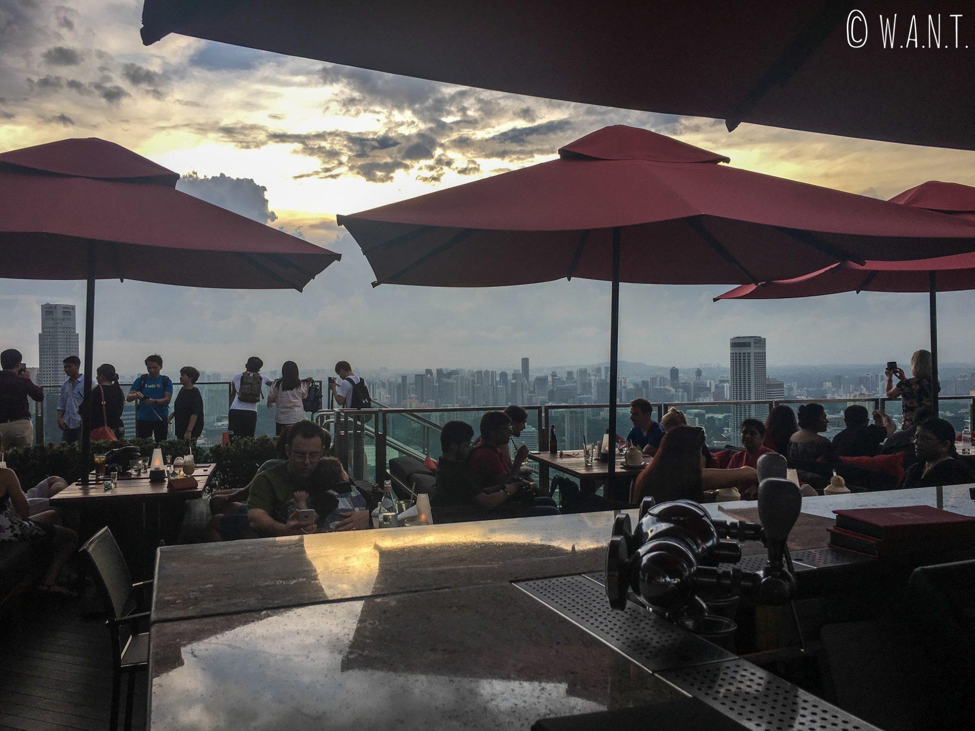 Vue depuis le bar CéLaVi au 57ème étage du Marina Bay Sands