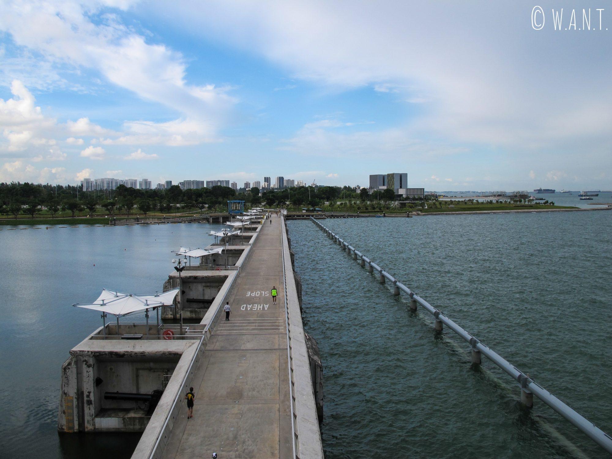 Vue sur Marina barrage à Singapour