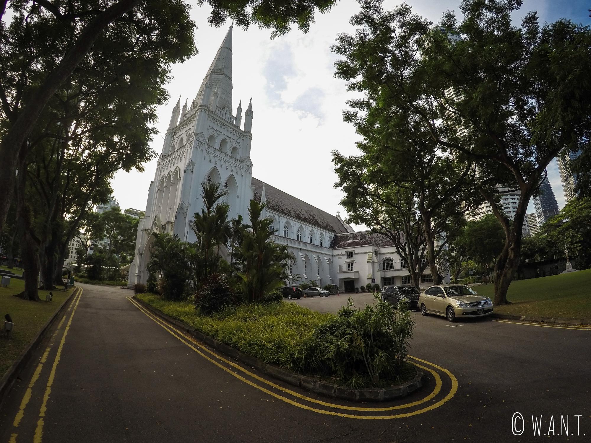 Vue sur la cathédrale St Andrew de Singapour