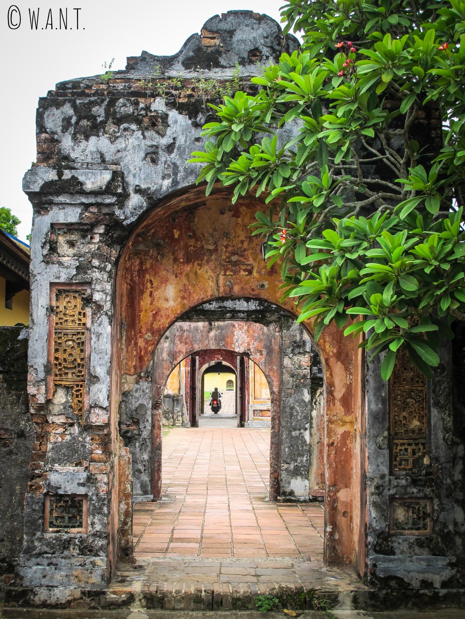 Arches dans la Citadelle de Hué