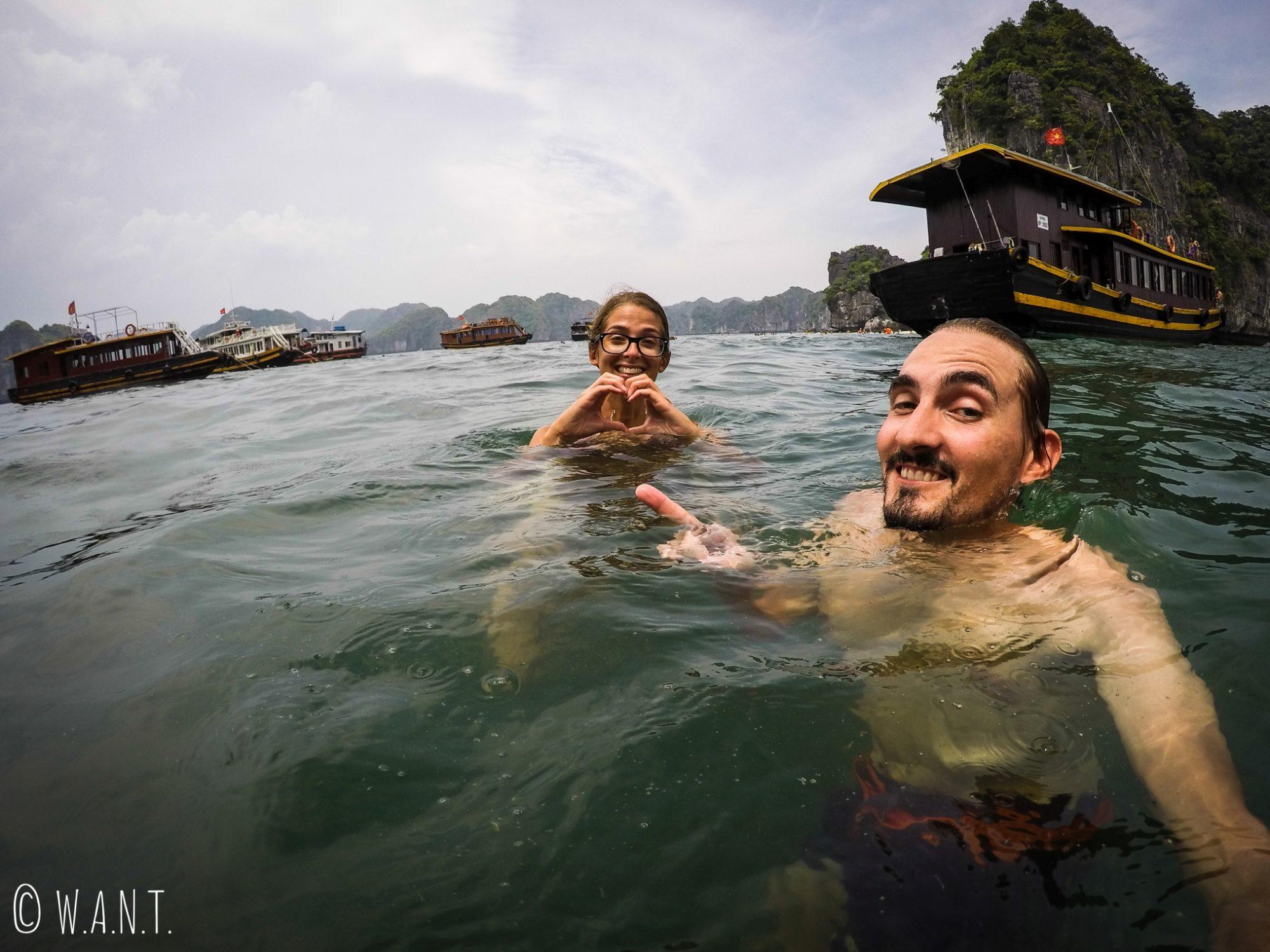 Baignade dans la Baie de Lan Ha lors de notre excursion à la journée