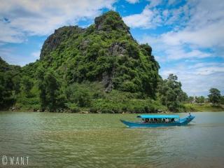 Bateau en direction de la grotte de Phong Nha sur la rivière Song