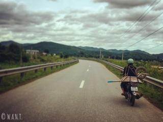 Chargement original sur la route de Phong Nha