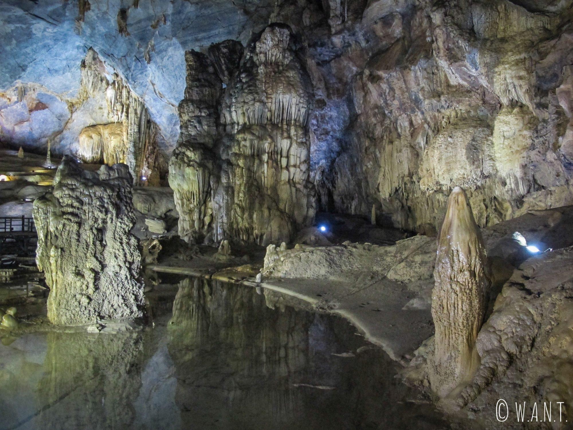 Décor naturel sublime à l'intérieur de la Paradise Cave de Phong Nha