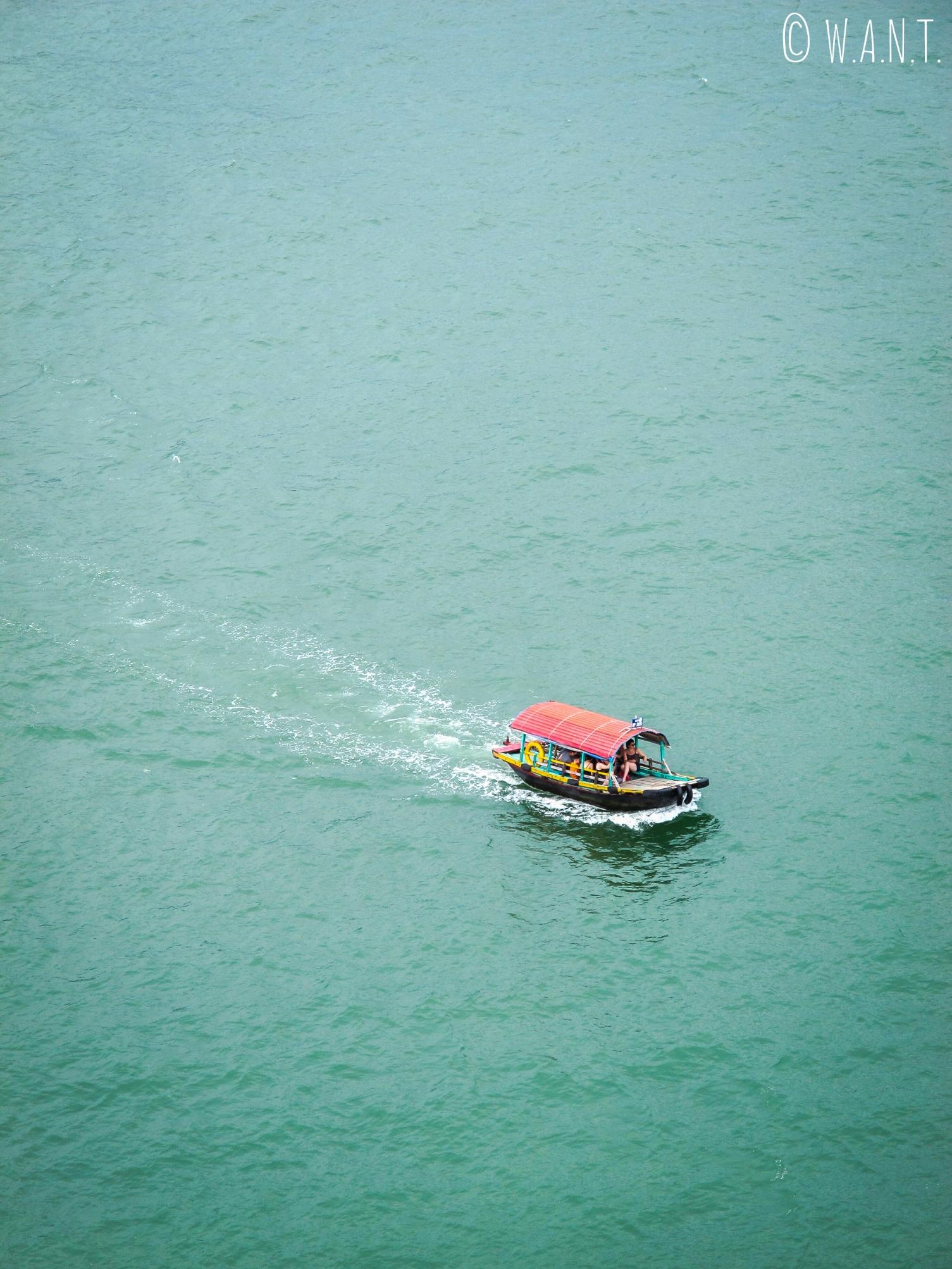 Embarcation de pêcheurs dans la Baie de Lan Ha
