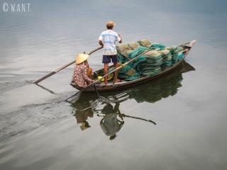 Embarcation de pêcheurs dans les environs de Hoi An