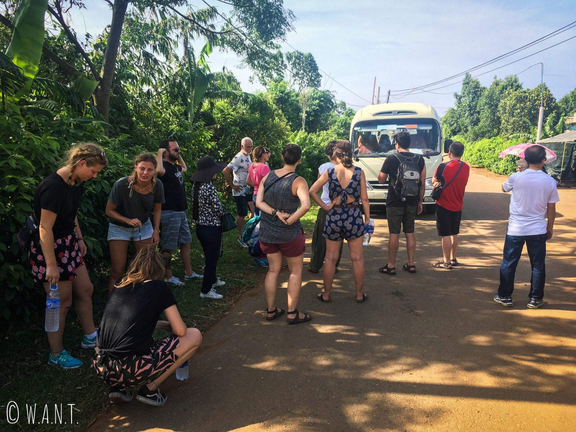 En excursion dans la DMZ, notre minibus est tombé en panne