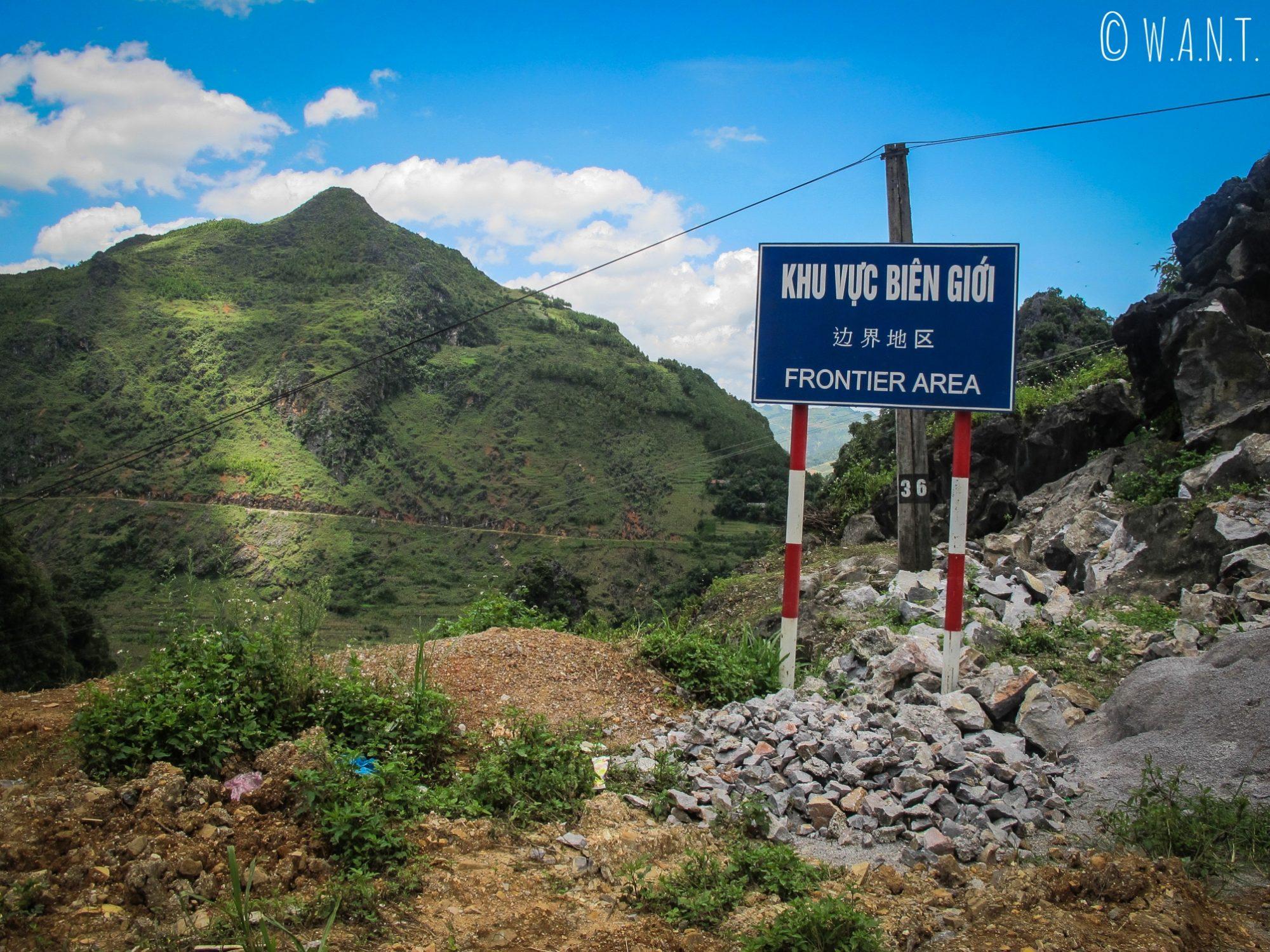 En route vers la frontière chinoise près de Lung Cu