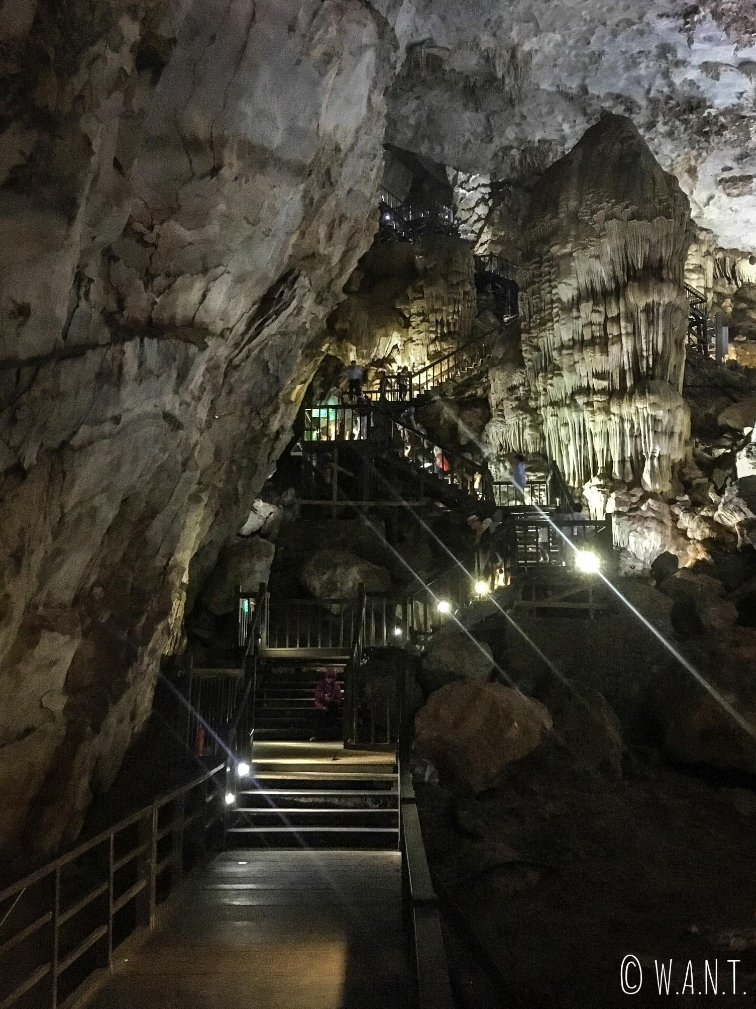 Il faut descendre dans les profondeurs de la Paradise Cave pour admirer sa beauté