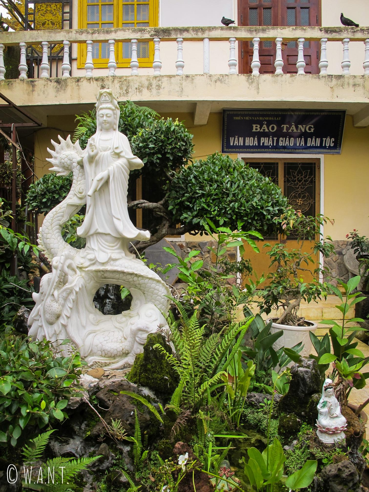 Jardins du Van Hanh Temple de Da Lat