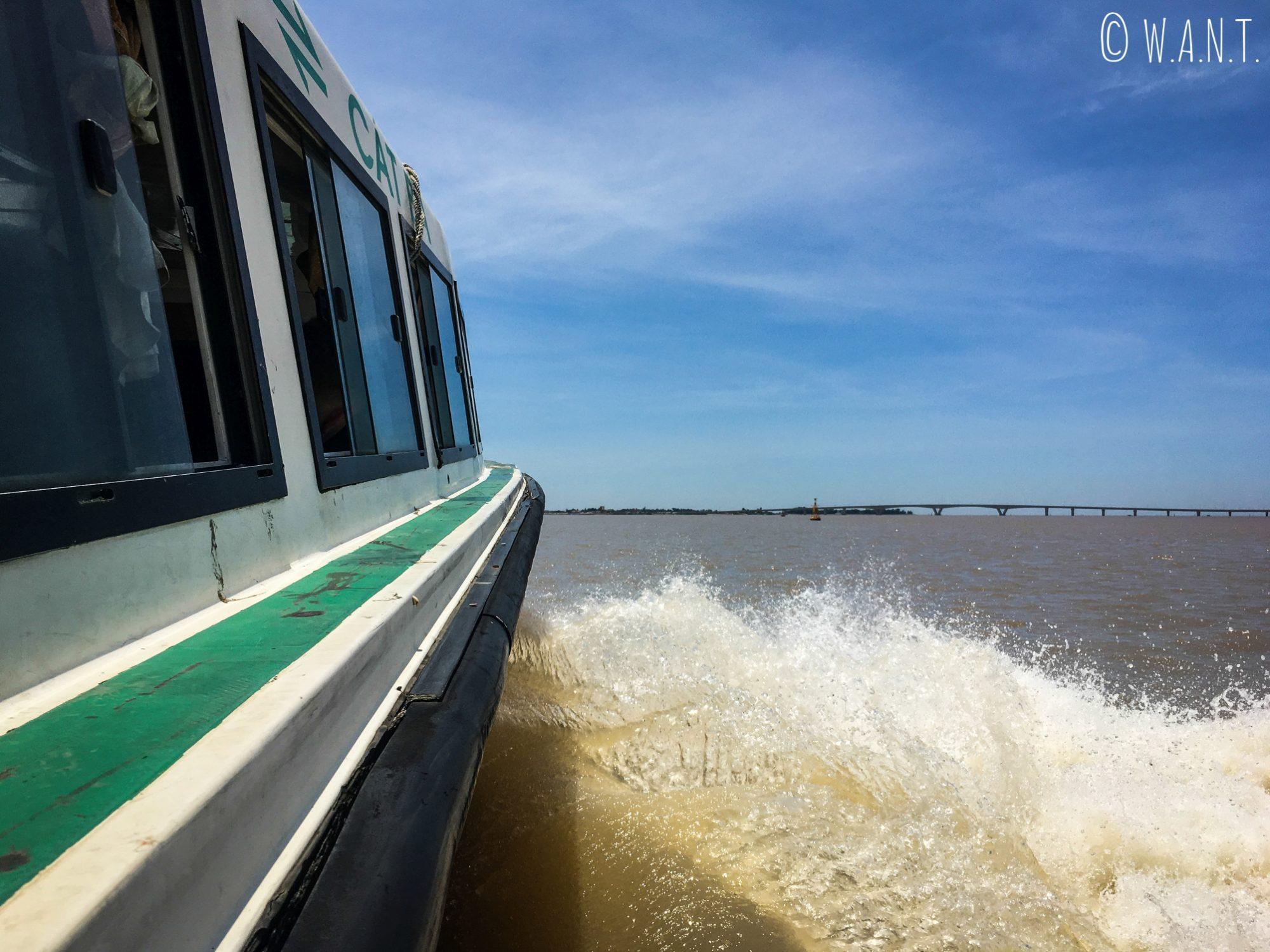 L'île de Cat Ba est uniquement accessible en speedboat