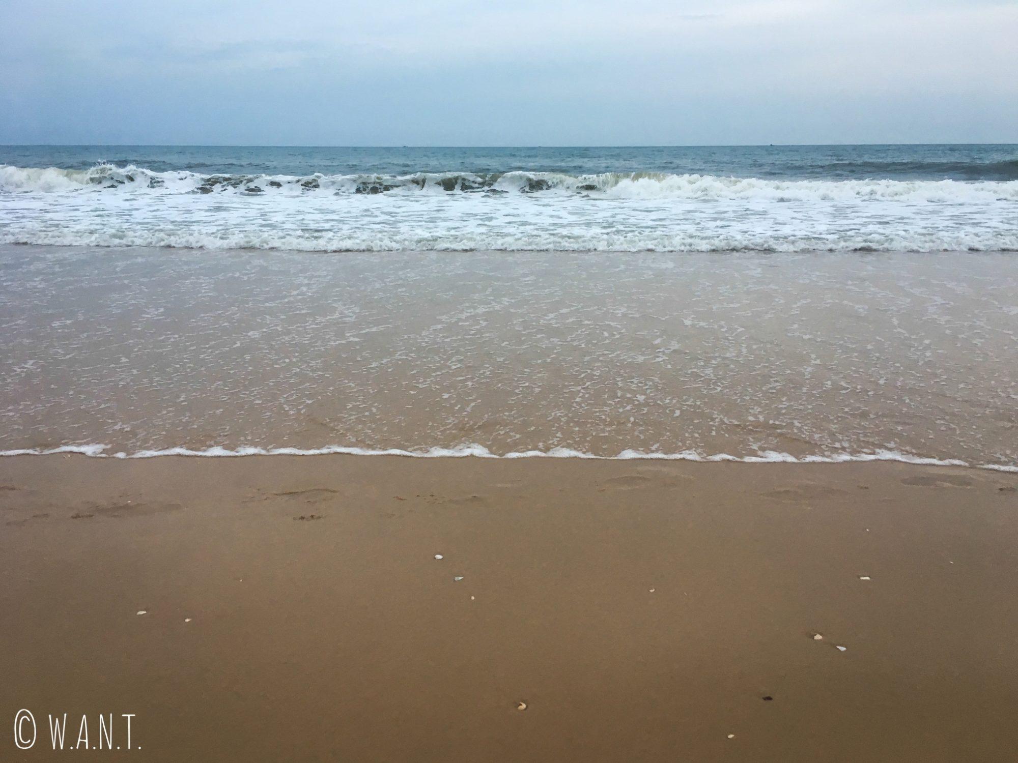 La mer de Chine méridonale borde le littoral de Mui Ne