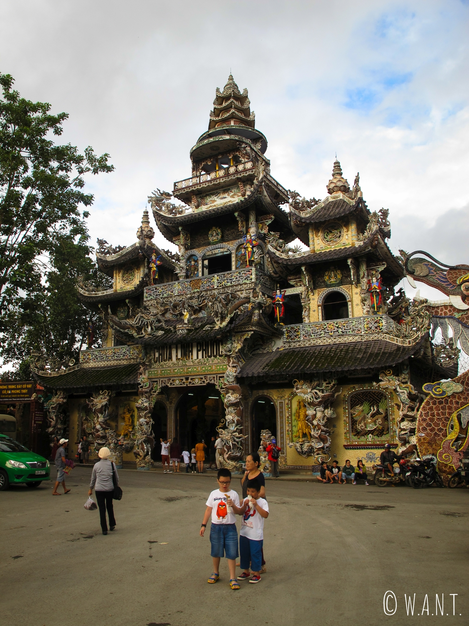 La pagode Linh Phuoc de Da Lat est aussi appelée Dragon Pagoda